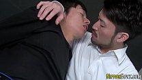 คลิปโป๊หนุ่มเกย์เรียนเพื่อนชายแท้มาลองเสียวทางรูตูดแถมแตกใน