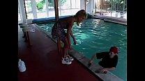 Im Poolhaus von der geilen Mifl gefickt