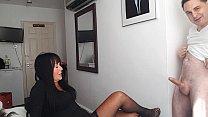 Ballbusting: Donna Africa kicks Andrea Diprè in...