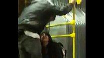 bogota de bus transmilenio el en orina se Mujer