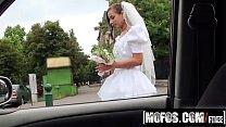 amirah adara porn video   stranded teens