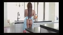 Esposa deliciosa na cozinha desperta o tesao do marido