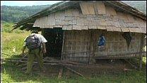 พาสาวชาวบ้านมาเย็ดที่่กระท่อมปลายนาคาชุดทำงานของเธอหลั่งเร็ว