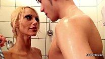 geile stief mutter fickt ihren bubi stief sohn in der dusche