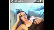 Порно видео сует палец в попу парню