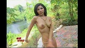 21 Thai nude babe