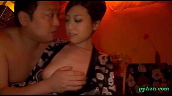 浴衣姿でご奉仕してくれる風俗嬢と濃厚キスしてハメる!