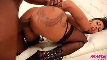 Bella Bellz loves interracial anal pounding