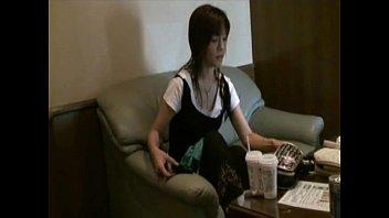 【無修正】スレンダー素人妻をハメ撮り!!漂う生々しい雰囲気