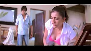 Kajal agarwal milky boobs show slow-motion