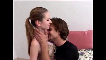 xxarxx زوجان الإيطالية مع فتاة قبيحة مارس سكس من الصعب