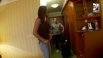 Porno mexicano, video amateur con su novia hung...