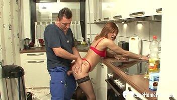 xxarxx نحيف فتاة في أحمر الملابس الداخلية مارس الجنس في مطبخ