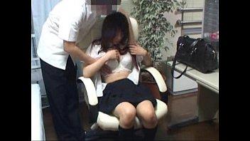 【女子高生/JK】保健室に巨乳JKを連れ込んでヤッてる証拠を抑えるためにカメラを仕掛けてみた結果
