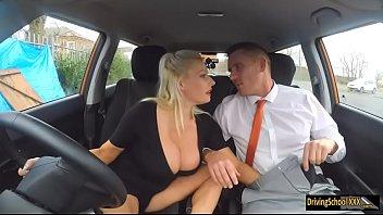 Sex Cu Soferite Blonde Care Au Tatele Mari Sunt Futute De Avocat