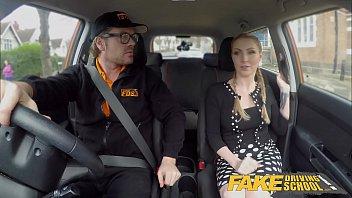 xxarxx وهمية مدرسة لتعليم قيادة السيارات كس شقراء جورجي ليال يحصل على رضا العملاء