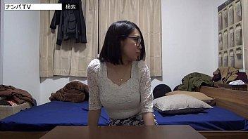 【パイズリ】爆乳女をナンパして盗撮部屋で勝手にセックス撮っちゃいました