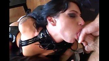 Порно ролики онлайн татуированая в чулках
