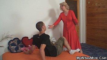 Gudang video bokep Diam diam ibu laki laki sialan di kamar sebelah terbaru di VideoBokepCina.Com