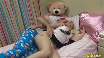 Pai come novinha filha sexy | Xvideos 10 - Videos Porno, Sexo Grátis, Xvídeos Porno
