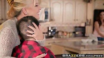 pornhdmilfs.com Mommy Got Boobs - Homemade American Tits scene starring Ariella Ferrera and Jordi El Ni&amp_a mature big-cock