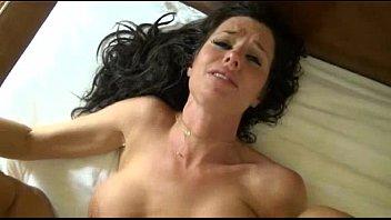 le hace tener multiples orgasmos a su cuñada | Video Make Love