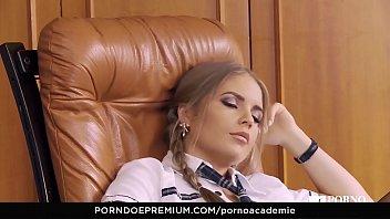 xxarxx     الساخنة في سن المراهقة أليساندرا جين مكثفة الجنس مع مدير المدرسة