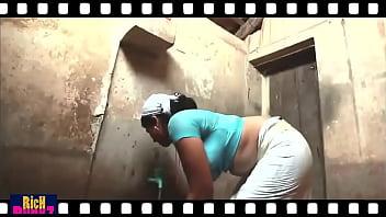 Mallu hot deep Navel Show 29 sec