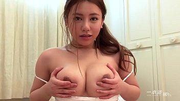 XVIDEO 松本メイ 巨乳お姉さんの指入れオナニー(松本メイ)