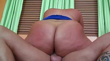 xxarxx Chunky MILF Slides Her Big Ass Up & Down On A Hard Dick