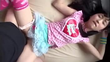 【潮ふき・オナニー動画】成人してても初々しいですね・・・羨ましいですね・・・