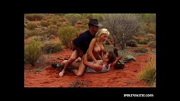 Fututa De Doi Pularai In Desert Si Are Orgasm Puternic