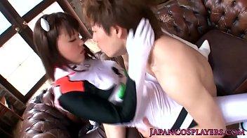 【コスプレ 巨乳 動画】コスプレイヤーがコスを着たまま激しく乱れる濃密SEX動画!