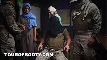 Порно ироак солдаты