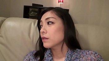 【レズの潮ふき・オナニー動画】(レズビアンビアン)児玉るみ-跡美しゅり-「私のテク見せてあげます…」文句ばかりの姑をレズビアンプレイでイカせまくるモデル妻…