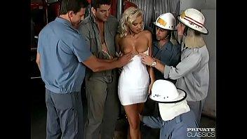 Xxx Cu Pompieri Care Violeaza O Blonda Ce Le Face Fata La Toti