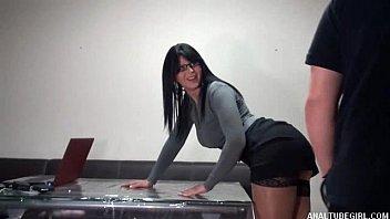 Jesica O Avocata Perversa Se Fute In Biroul Ei Cu Un Angajat