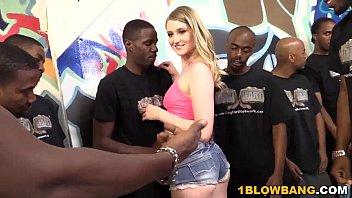 xxarxx كارتر الصيف يحصل على خبطت من قبل مجموعة من الرجال السود