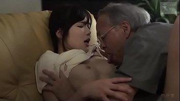 【若妻 ディープキス】美乳の若妻人妻の、ディープキス不倫浮気プレイがエロい!