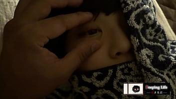 XVIDEO 寝ているお姉さんに夜這いしてレイプセックス