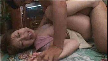 家宅侵入した先で見つけた巨乳奥さんを押し倒してレイプ!