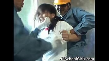 学校の出入り業者がブルマ巨乳女子校生を拉致って二人がかりで手マン潮吹き責め!