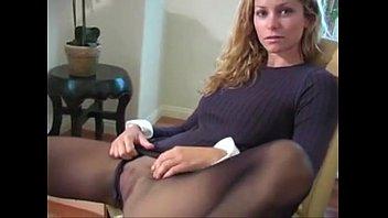 Heather Vandeven pantyhose action