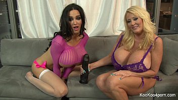 thumb Busty Amy Amp Kayla Show Off Their Sexy Bodies