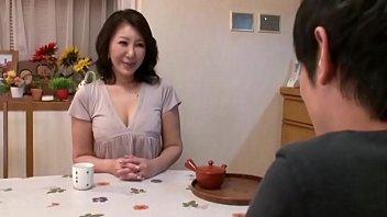 【庵叶和子】五十路の熟女人妻、庵叶和子の浮気セックスプレイ動画。