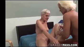 xxarxx Hairy Granny Tries Lesbian Sex