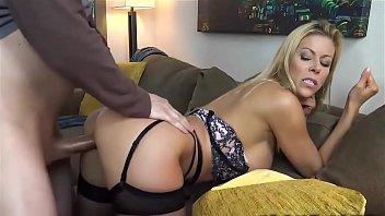 Hot milf pornstar fucks dude - dirtyyycams.com