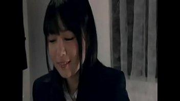 女子高生が男性教諭の自宅で濃厚キスからのちんぐり返しフェラ、挿入