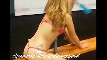 Beautiful girl fuck ass