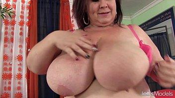 Порнхуб жирние тетки с огромними сиськами